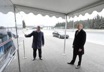 Prezident İlham Əliyev Bakı-Sumqayıt yolunda görülən işlərlə tanış olub