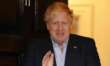 UK PM Johnson moves from intensive care to ward
