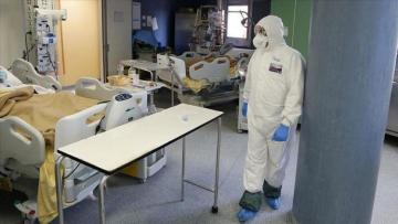 Italy reports 566 new deaths, infections slow down