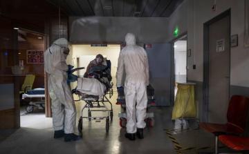 Во Франции число жертв коронавируса достигло 19718