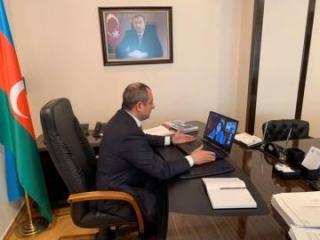 Проведено онлайн-заседание с участием председателя Милли Меджлиса и независимых депутатов