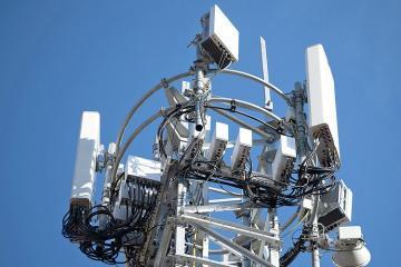ABŞ Çinin 4 telekommunikasiya şirkətini lisenziyalarının ləğvi ilə hədələyib
