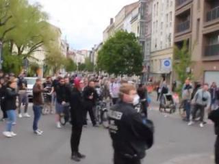 Более 100 человек задержаны в Берлине на акции протеста против карантинных мер