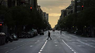 Испанцам разрешат прогулки и занятия спортом в мае