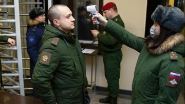 Почти 900 российских военных заразились коронавирусом