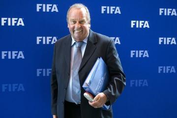 FİFA Səhiyyə Komitəsinin sədri avqustun sonunadək futbol oynamamağa çağırış edib