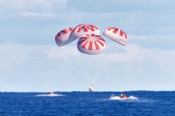 """""""Crew Dragon"""" kosmik gəmisi Florida yaxınlığında Yerə enib"""