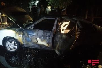 В Сумгайыте взорвалась и сгорела Lada Priora - [color=red]FOTO[/color]