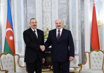 Президент Ильхам Алиев поздравил Александра Лукашенко с избранием на пост президента Беларуси