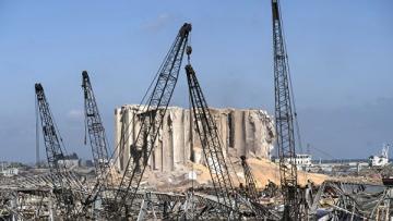 Президента Ливана в июле предупреждали о наличии опасных веществ в порту