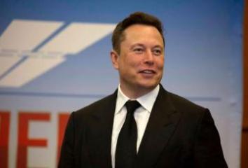 Илон Маск поднялся на четвертую строчку в списке богатейших людей мира