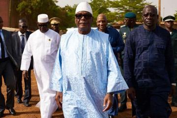 Mali prezidenti istefa verib