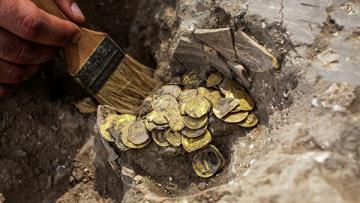 Клад из золотых монет IX века обнаружили при раскопках в Израиле