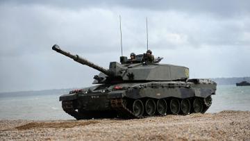 Times: Великобритания планирует отказаться от танков