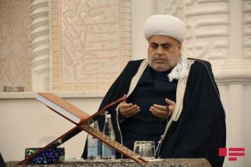 Шейхульислам Аллахшукюр Пашазаде: Сегодня в 90 тысячах мечетях Турции поминают шехидов