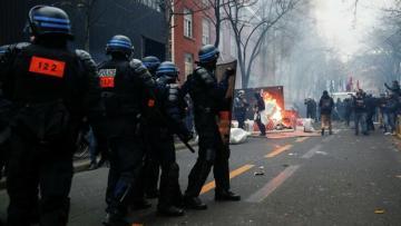 МВД Франции сообщило о 64 задержанных на акции протеста в Париже