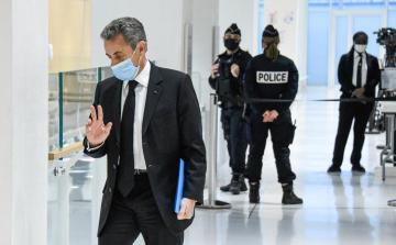 Прокуратура потребовала приговорить Саркози к четырем годам тюрьмы