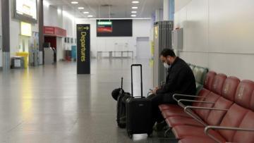 Страны мира закрывают сообщение с Британией из-за мутации коронавируса