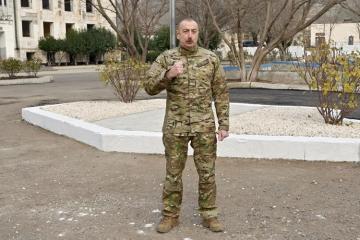 Президент Ильхам Алиев: Армения сдалась, подняла белый флаг, встала на колени