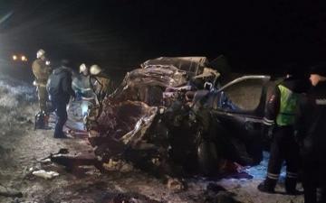 В России в ДТП с грузовиком погибли четыре человека