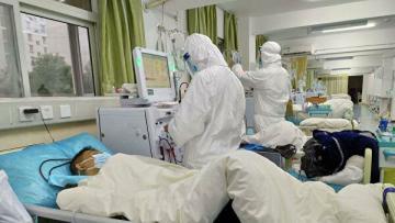 Число жертв коронавируса в Китае выросло до 425, заболевших - 20438 человек