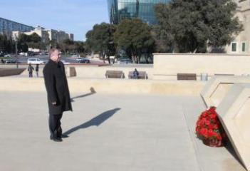 Belarusian ambassador visited the monument Hazi Aslanov