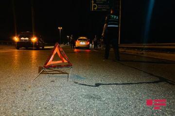 В Баку автомобиль сбил мальчика