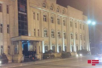 Ветер сорвал крышу здания бывшего Министерства транспорта Азербайджана  - [color=red]ФОТО[/color]