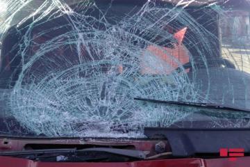 В Азербайджане перевернулся микроавтобус с туристами, ранены 5 человек