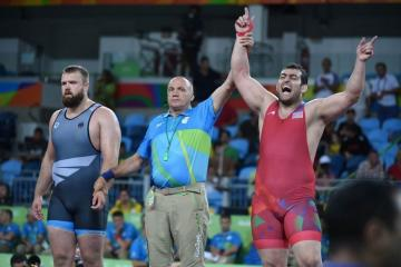 Azerbaijani wrestler defeats Armenian athlete