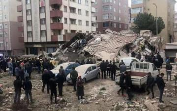 Building collapsed in Turkey's Istanbul