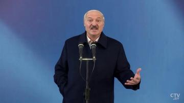 Лукашенко посоветовал белорусам есть местные продукты, а не ананасы - [color=red]ВИДЕО[/color]