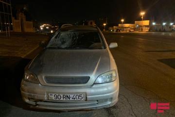 Bakının Nizami rayonunda piyadanı avtomobil vurub - [color=red]FOTO[/color]