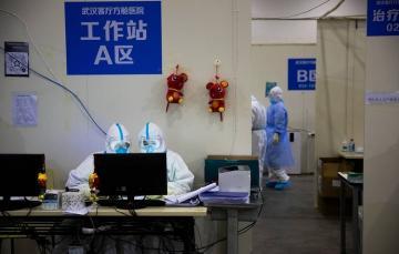 Главный врач больницы в Ухане умер от коронавируса