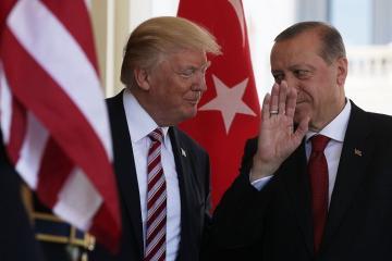 Трамп заявил, что работает с Эрдоганом по ситуации в Идлибе