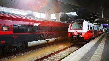 Austria stops train from Italy due to coronavirus suspects