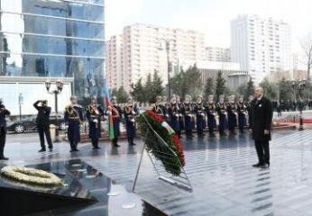 Azerbaijani president visits memorial to Khojaly tragedy victims