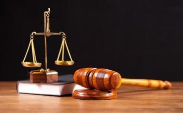 В Баку начинается суд над ранившим ножом двух человек