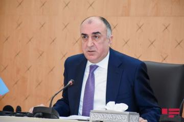 Azerbaijani and Iranian FMs hold phone talk
