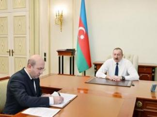 President Ilham Aliyev receives chairman of Azerbaijan's State Committee for Urban Planning and Architecture