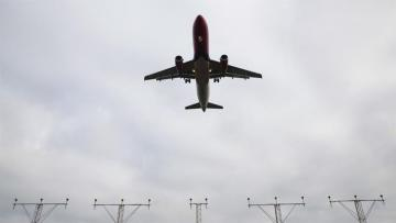 Some airlines suspend flights over Iran and Iraq