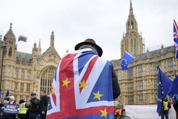 """Britaniya Parlamentinin İcmalar Palatası """"Brexit"""" sazişini təsdiqləyib"""