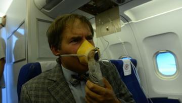 Эксперты раскрыли правду о кислородных масках в самолете