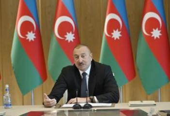 Ильхам Алиев: Только посредством банковских карт иностранные туристы израсходовали в Азербайджане 1 млрд 260 млн манатов