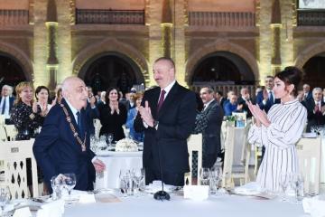 Состоялась церемония по случаю 90-летнего юбилея академика Хошбахта Юсифзаде - [color=red]ОБНОВЛЕНО[/color] - [color=red]ФОТО[/color]