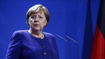 """Angela Merkel: """"Haftarın Liviyada atəşkəsə razılaşması yaxşı xəbərdir"""""""