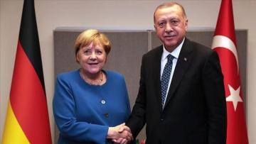 Эрдоган и Меркель обсудили ситуацию в Ливии