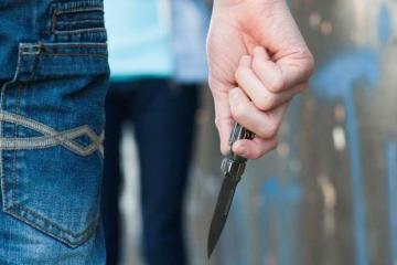 Bakıda orta yaşlı kişi müəmmalı şəraitdə bıçaq xəsarəti alıb
