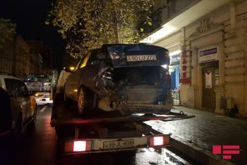 Bakının Nəsimi rayonunda yol qəzası baş verib - [color=red]FOTO[/color]