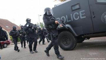 Во Франции задержали семерых подозреваемых в подготовке теракта